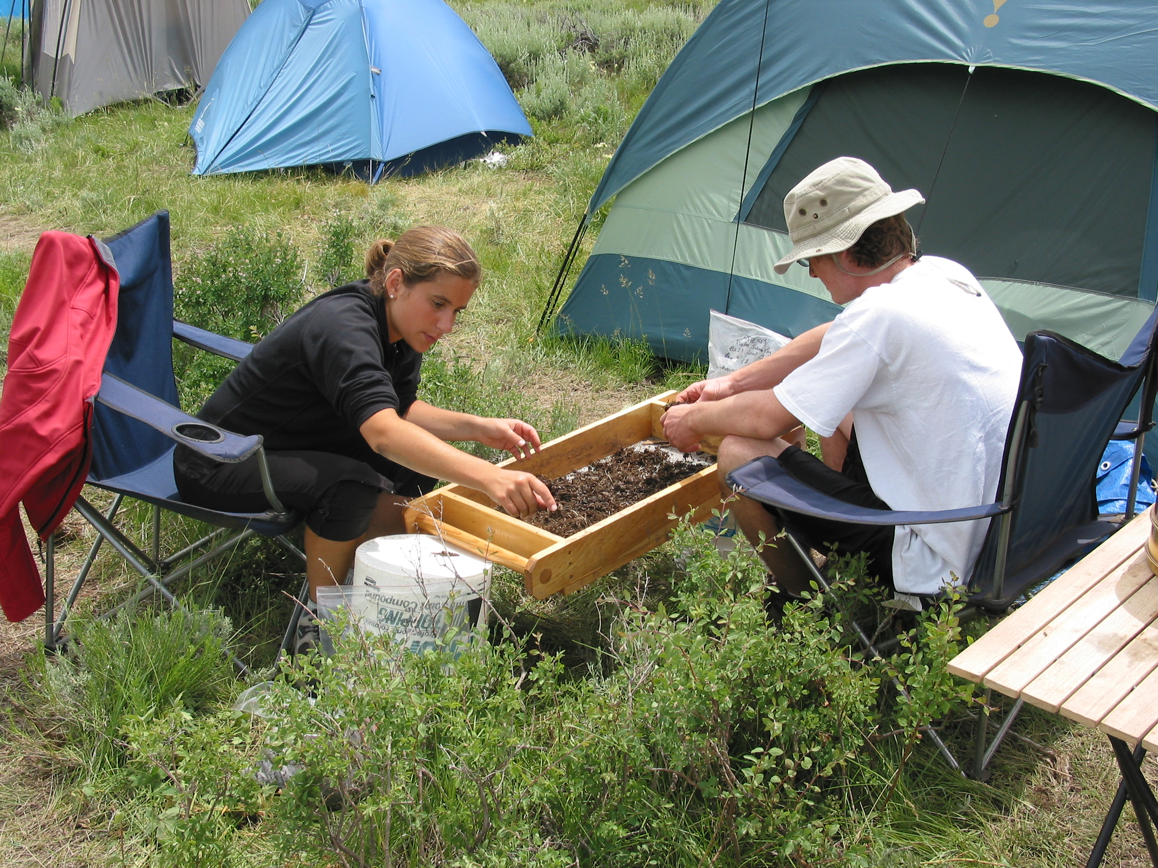 research expeditions archives moral compass great places to go earthwatch institute enables ordinary people to work alongside scientists in 2013 earthwatch scientists and