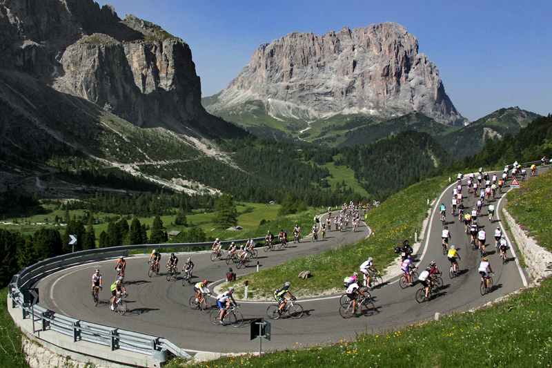Cycling the Maratona dles Dolomites (courtesy of Dolomite Mountains)